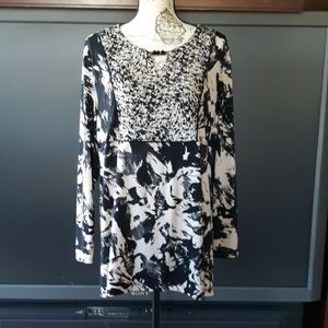 Susan Graver black and tan long sleeved blouse